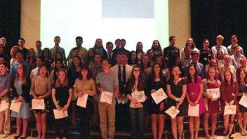 At the World Languages Honor Society ceremony, 71 Shen students were inducted.