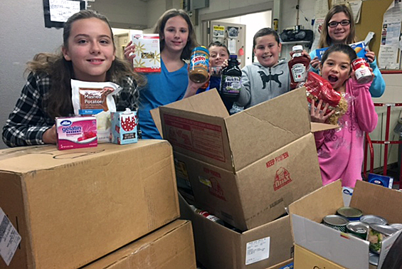 Chango students collected over 20 boxes of food for Student Council's Annual Food Drive!