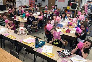 Karigon 1st graders create 3-dimensional prize pigs